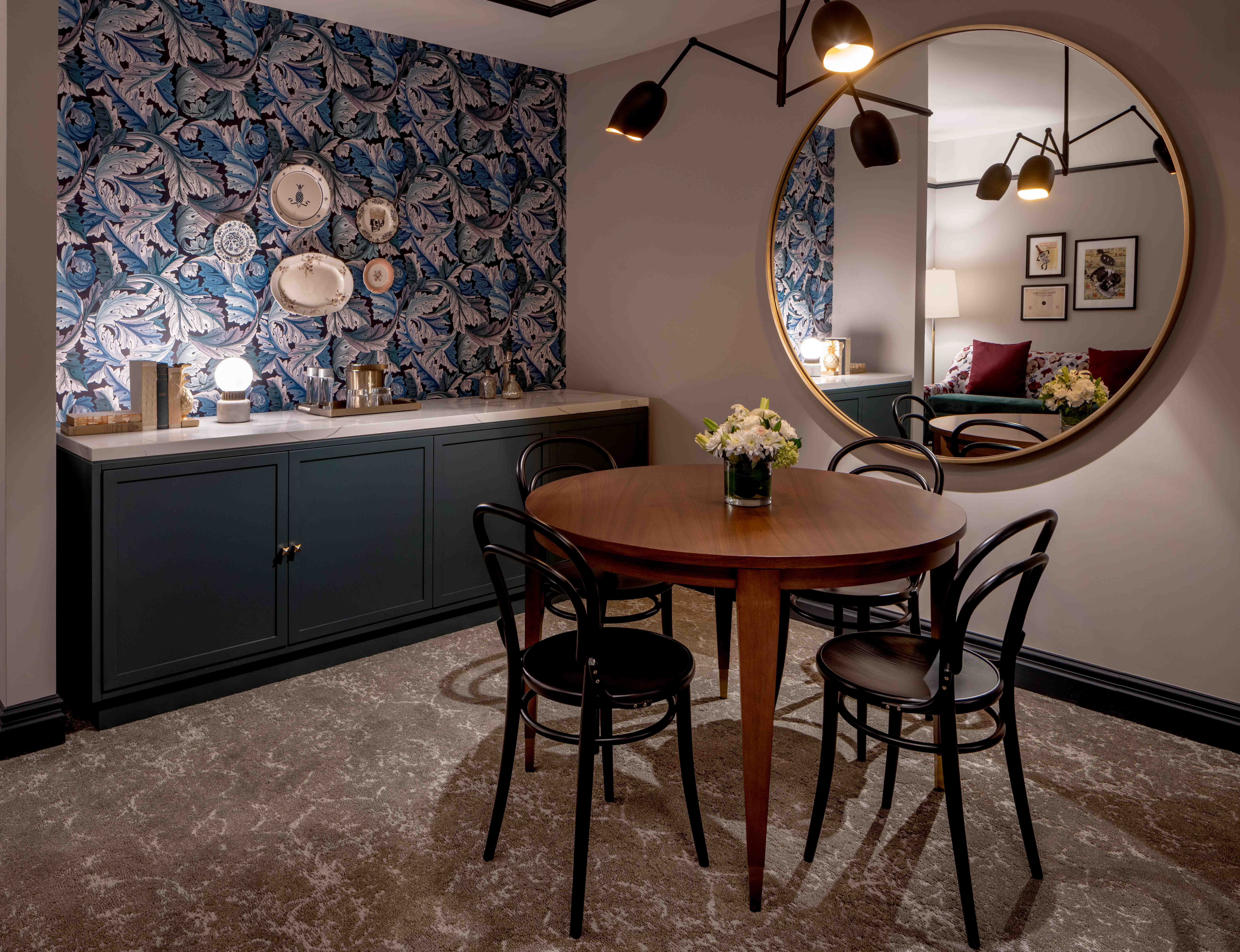 The-Eliza-Jane-Publishers-Suite-Dining-Table-MFRZD