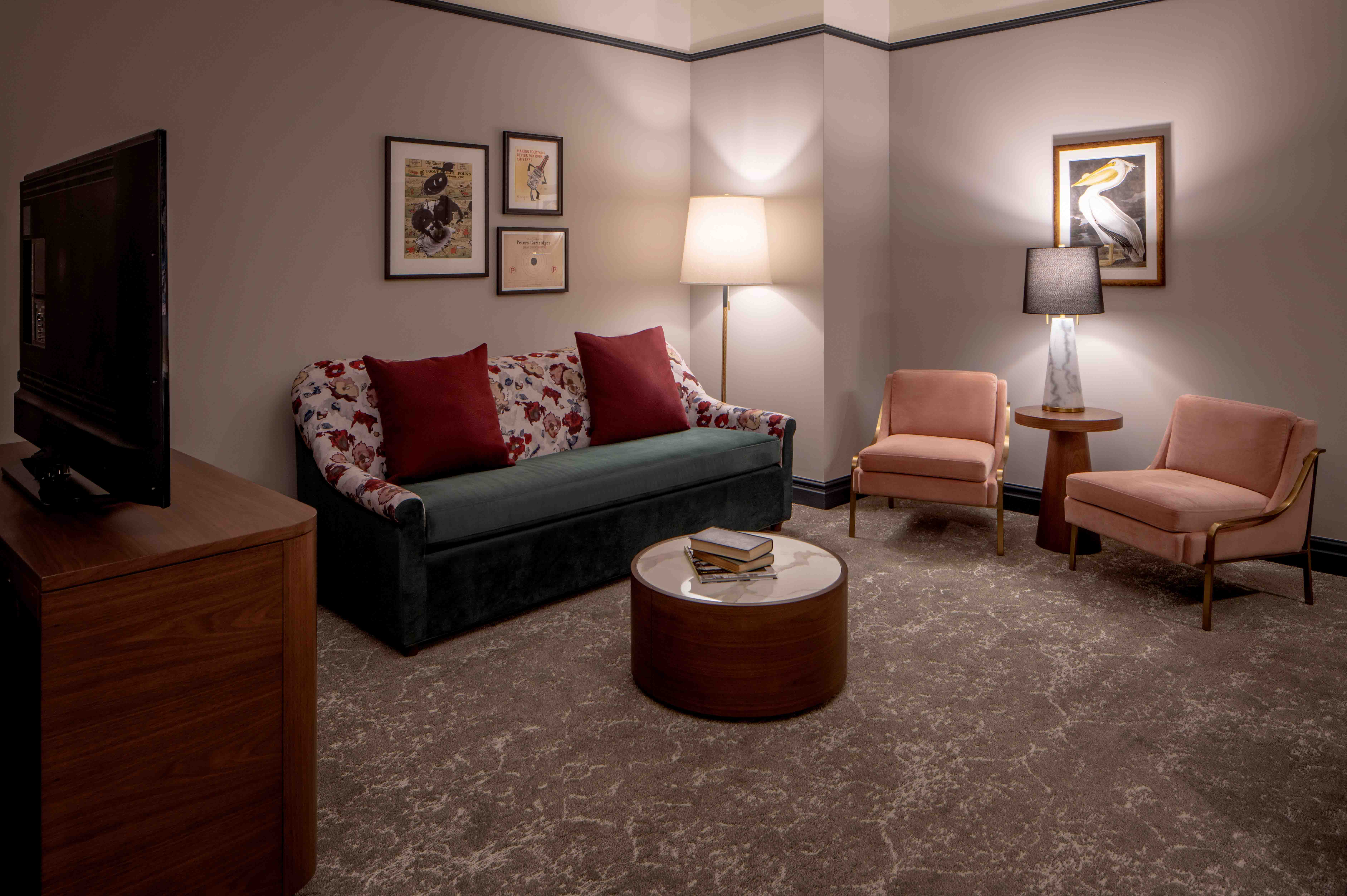 The-Eliza-Jane-Publishers-Suite-Seating-MFRZD