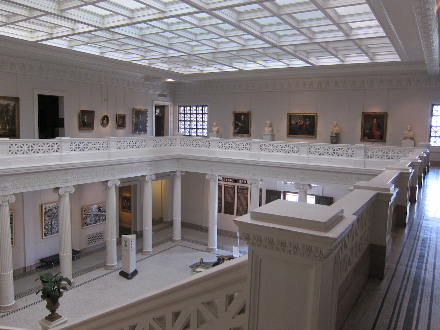 upstairs-at-the-new-orleans-museum-of-art